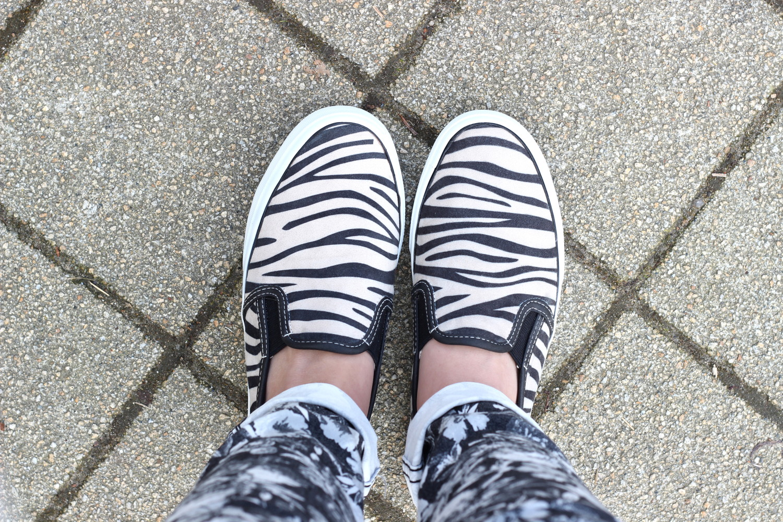 bezaubernde nana, fashionblog, germany, outfit, steetstyle, zebra slipper tamaris, schwarz weiß slipper, zalando