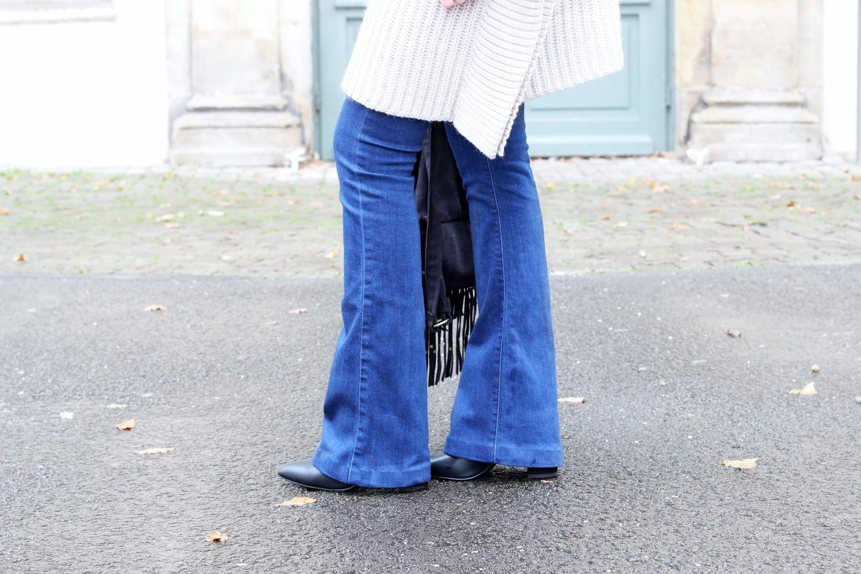bezaubernde nana, bezauberndenana.de, outfit, streetstyle, herbst outfit, back to school mit asos, asos, flared jeans glamorous von asos, strick cape mit rollkragen, cape lost ink von asos, schwarze stiefeletten new look von asos, rucksack mit fransen even&odd von zalando,  ringe von asos, fashionblog, modeblog, germany, deutschland