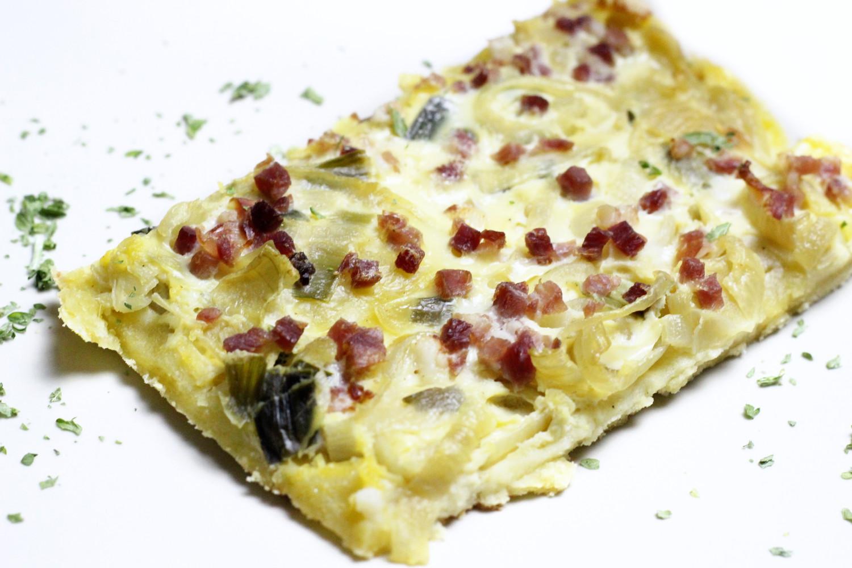 bezaubernde nana, bezauberndenana.de, foodblog, germany, deutschland, rezept, zwiebelkuchen, zwiebelkuchen vom blech, herbst rezept, food, federweißer