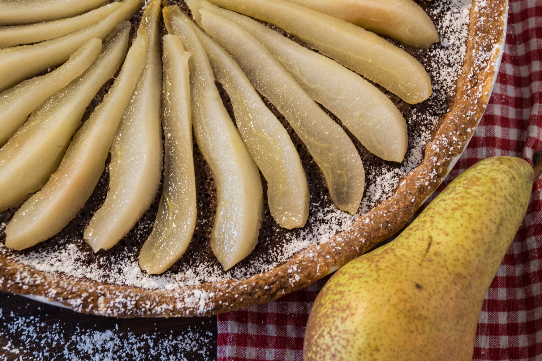 bezaubernde nana, bezauberndenana.de, fashionblog, lifestyleblog, germany, deutschland, follow the daisies, gastbeitrag, rezept, birnen-tarte auf schoko-mandel, birnen tarte, tarte rezept