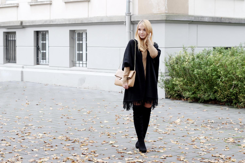 Bezaubernde Nana, bezauberndenana.de, fashionblog, modeblog, germany, deutschland, overknees kombinieren, overknee stiefel, overknees lookbook, schwarzes cape, camel pullover, rock