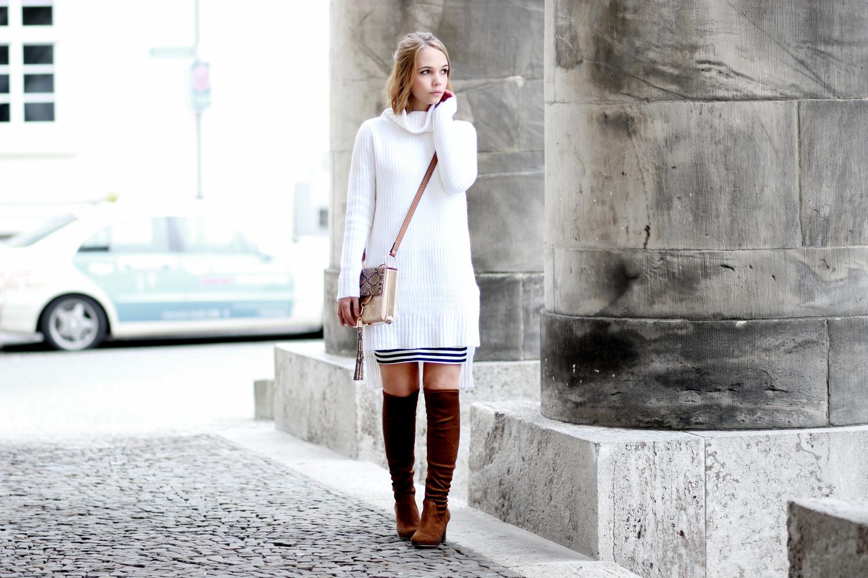 Bezaubernde Nana, bezauberndenana.de, fashionblog, modeblog, germany, deutschland, overknees kombinieren, overknee stiefel, overknees lookbook, langer weißer rollkragen pullover, streifen rock