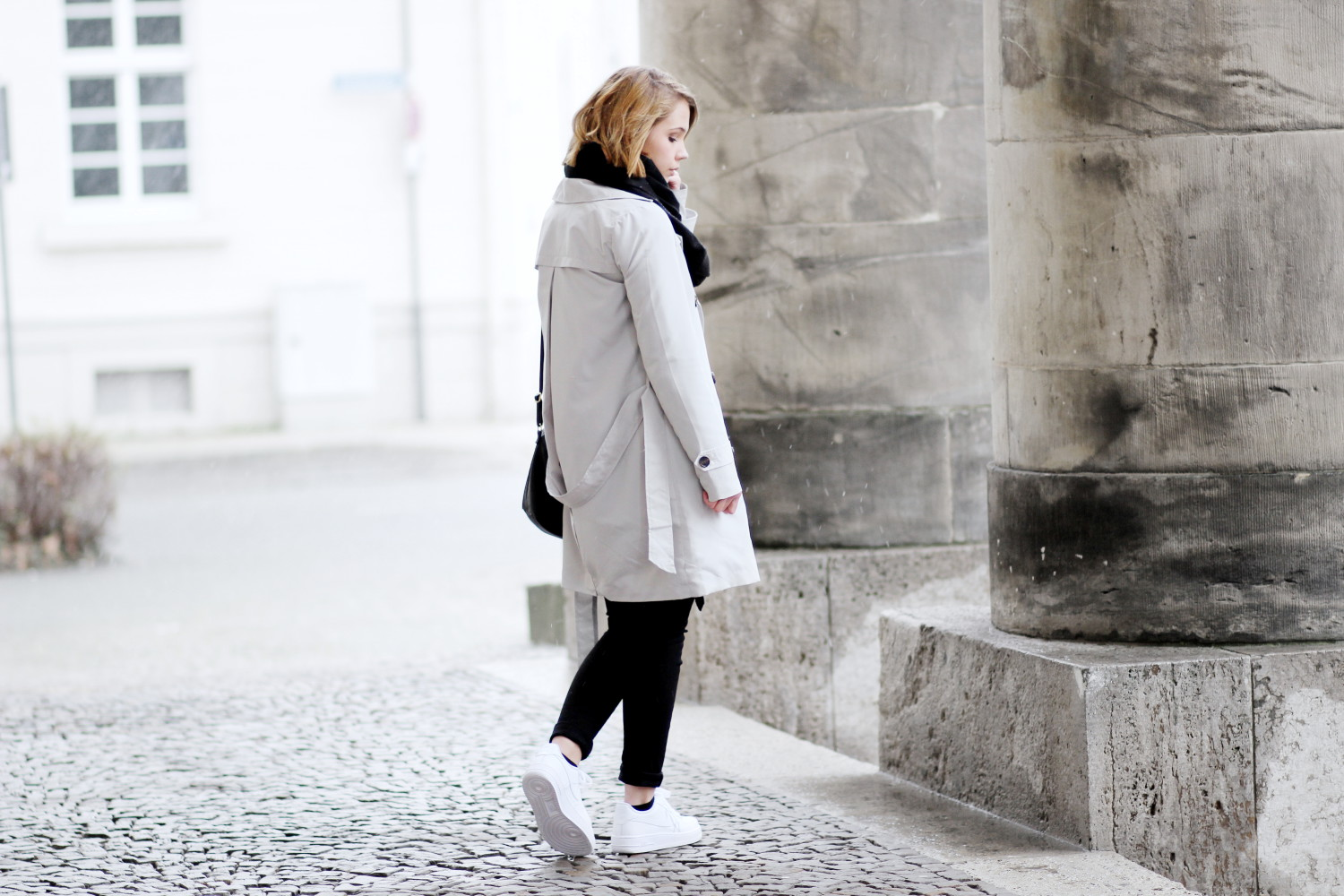 Bezaubernde Nana, bezauberndenana.de, Fashionblog, Modeblog, Germany, Deutschland, Outfit, Streetstyle, Nike Air Force 1 Outfit, , DefShop, Grauer Trenchcoat von Vila, Casual Outfit