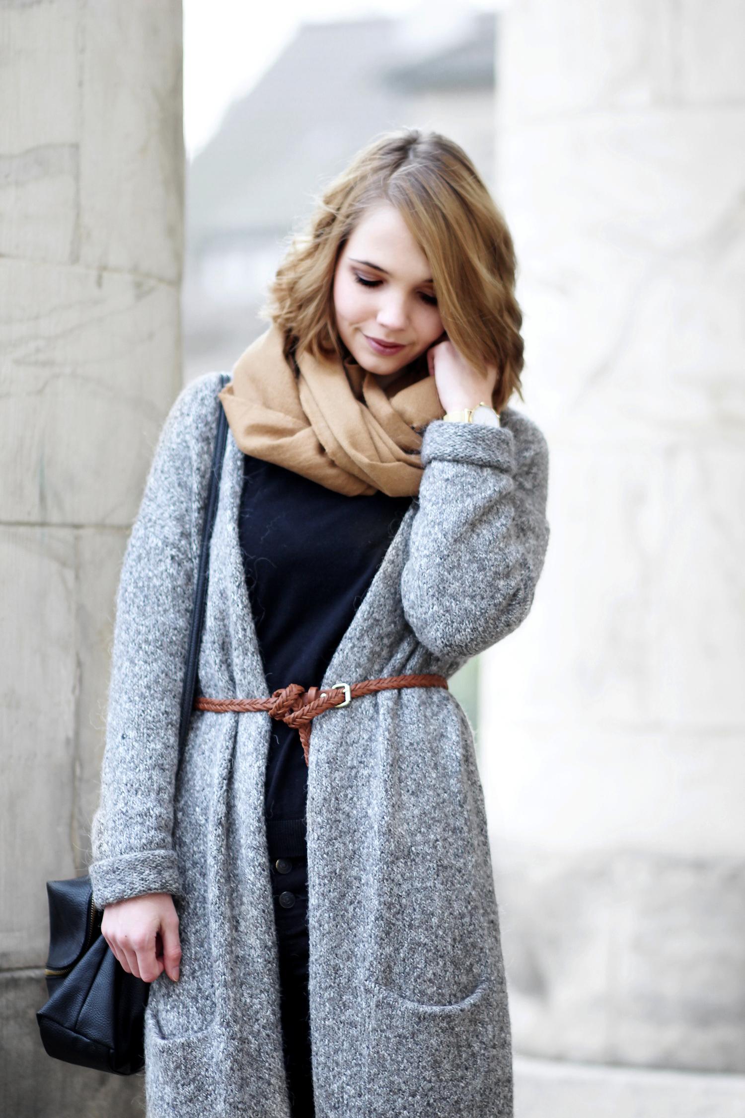 Braun und grau kombinieren outfit mit strickmantel for Grau kombinieren
