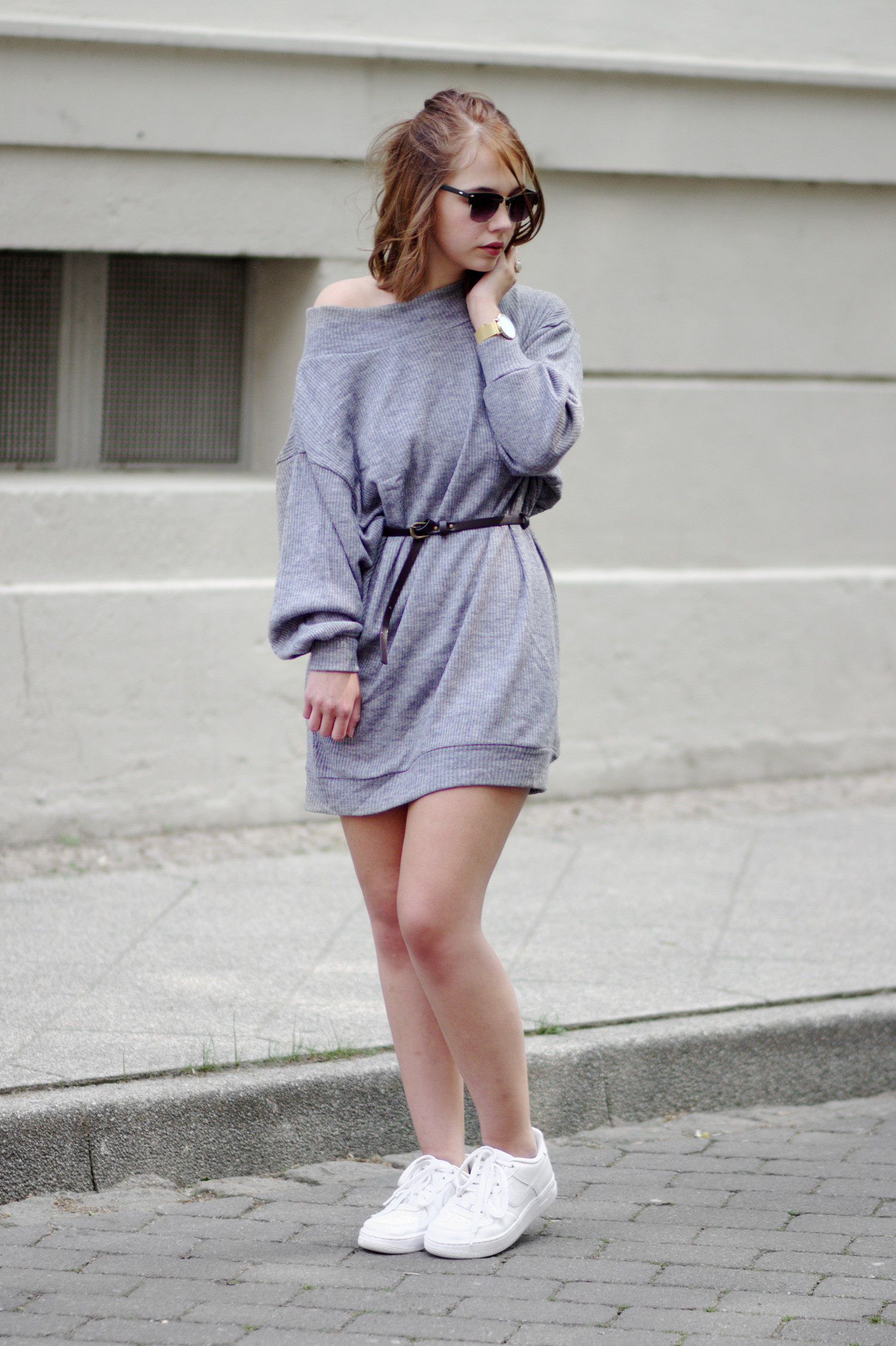 Bezaubernde Nana, bezauberndenana.de, Fashionblog, Outfit, Streetstyle, oversize Pullover als Kleid, grauer oversize Pullover von Lookbook Store, Nike Air Force 1 Sneaker, Rosefield Watch, lässiges Outfit,