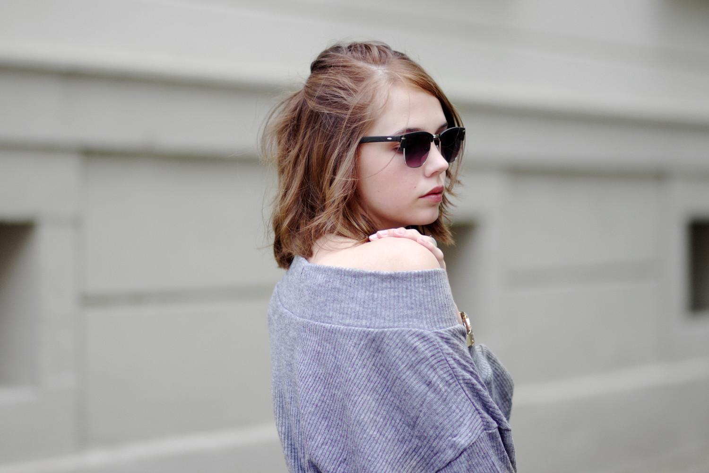 Bezaubernde Nana, bezauberndenana.de, Fashionblog, Outfit, Streetstyle, oversize Pullover als Kleid, grauer oversize Pullover von Lookbook Store, Nike Air Force 1 Sneaker, Rosefield Watch, lässiges Outfit,