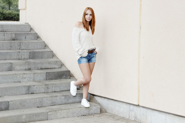 Bezaubernde Nana, bezauberndenana.de, Outfits für kühle Sommertage, Lookbook, Shorts und Strickpullover