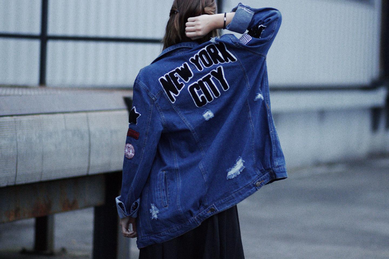 boyfriend jeansjacke mit patches schwarzes spitzenkleid und adidas superstars bezaubernde nana. Black Bedroom Furniture Sets. Home Design Ideas