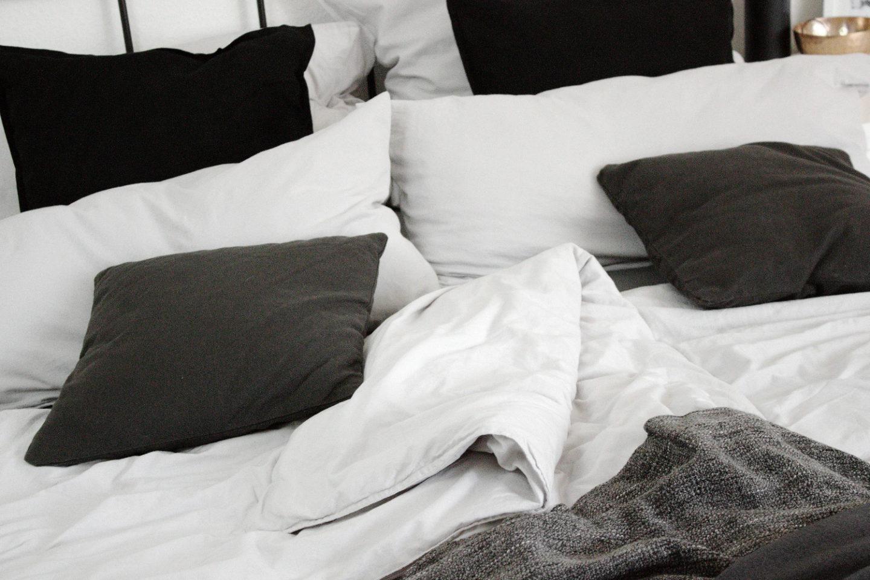Schlafzimmer Einrichtung Bett Minimal Interior Dekoration Wohnen