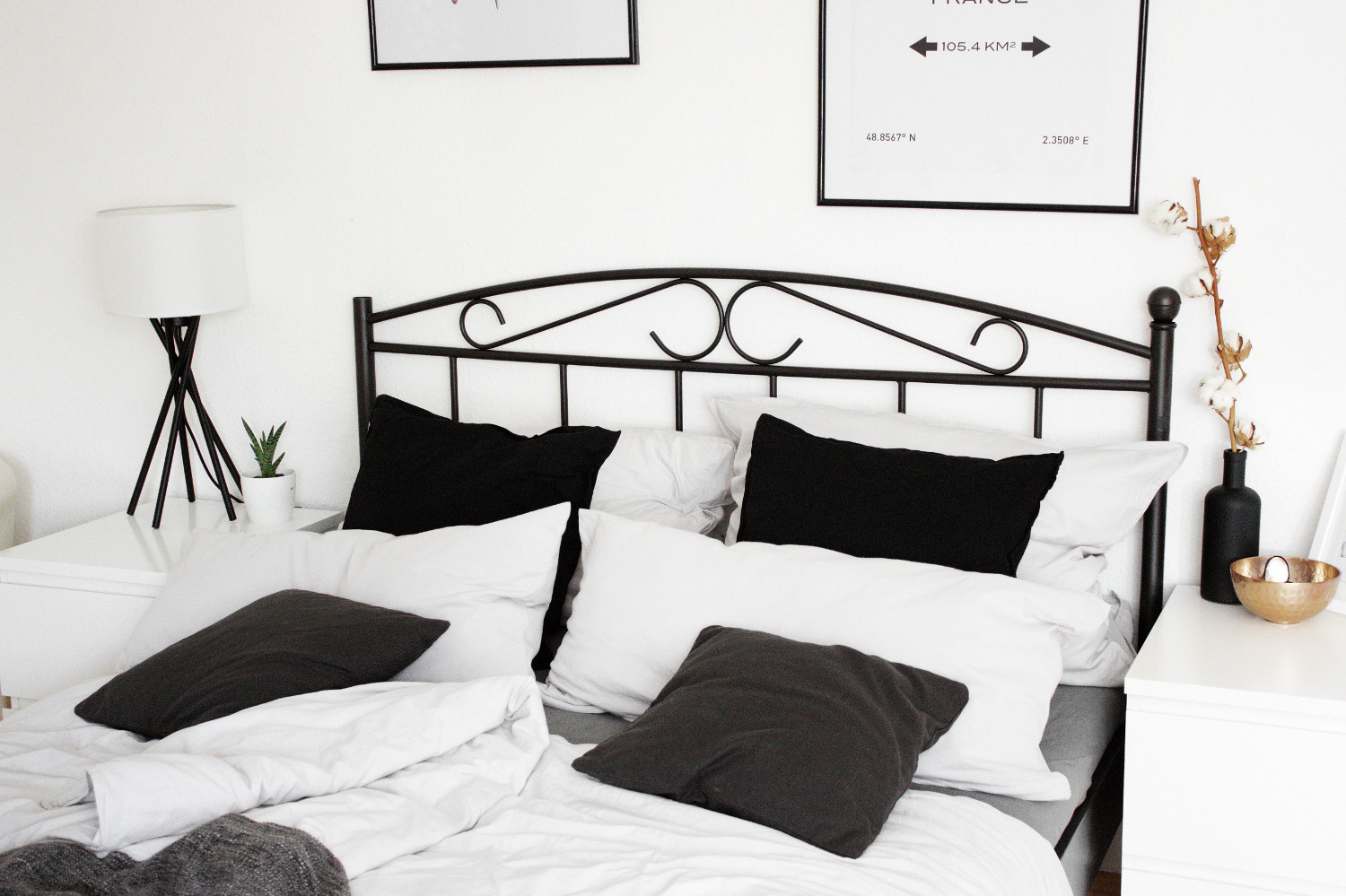 homestory schlafzimmer einrichtung mein bett. Black Bedroom Furniture Sets. Home Design Ideas