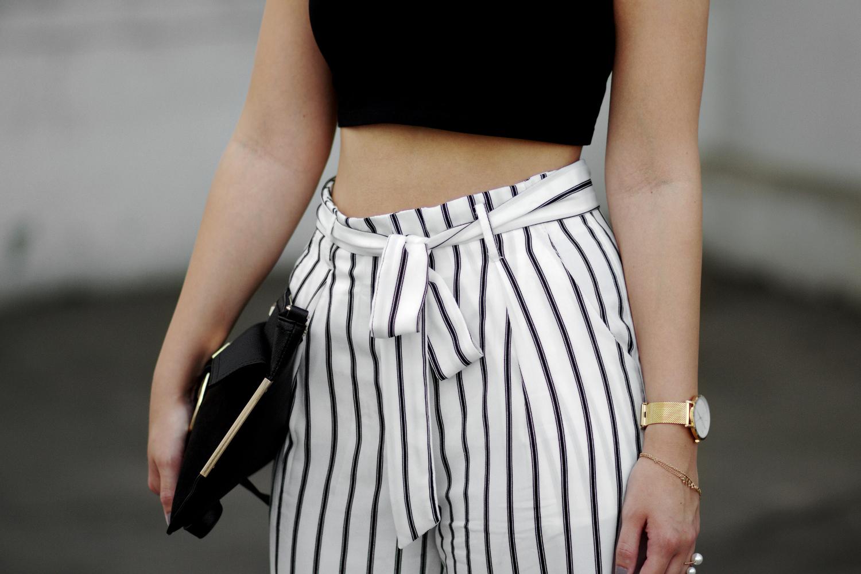Weite Hosen Für Kleine Frauen
