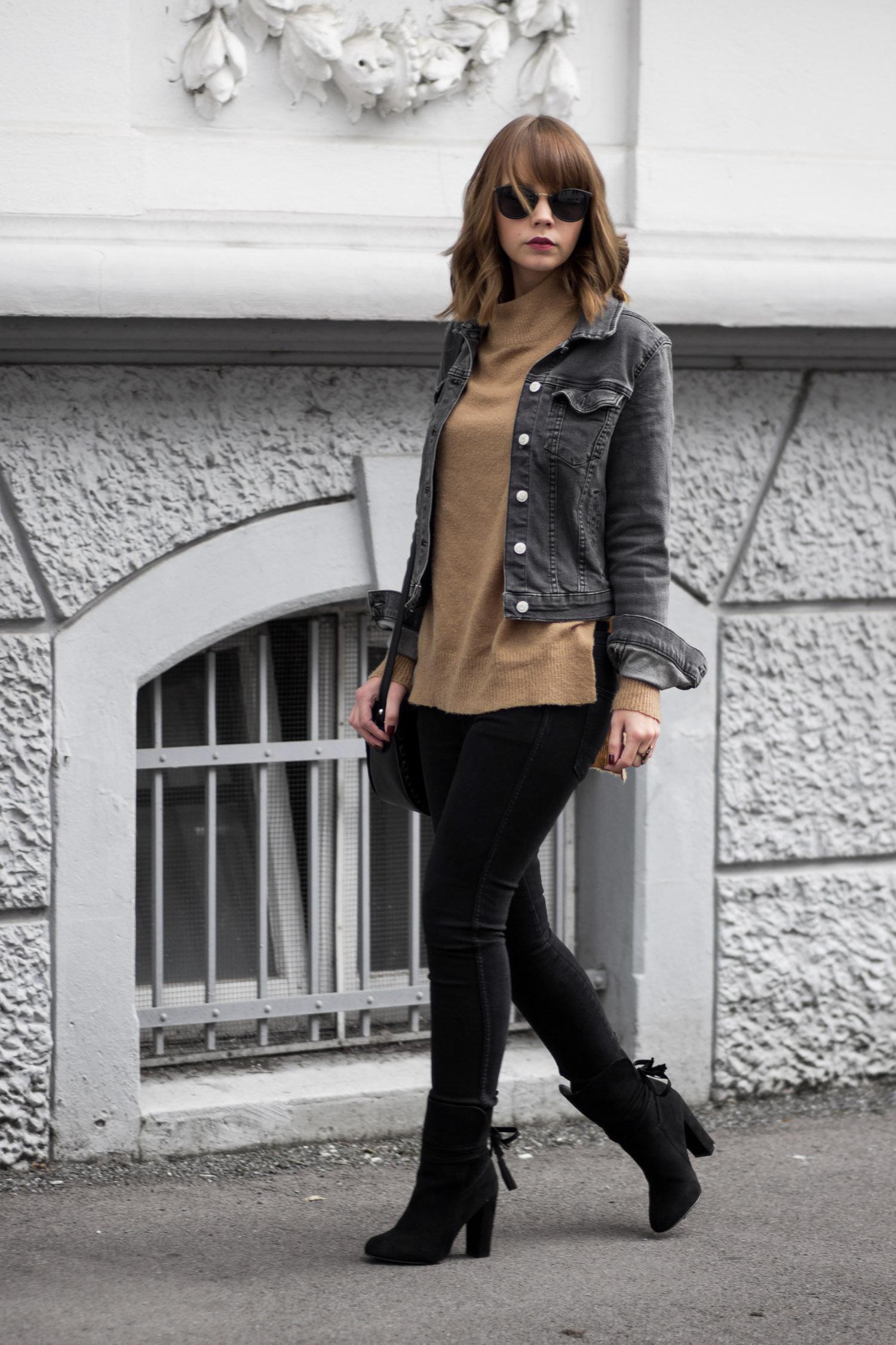 jeansjacke im herbst outfit mit schwarzer jeansjacke und braunem strickpullover bezaubernde nana. Black Bedroom Furniture Sets. Home Design Ideas