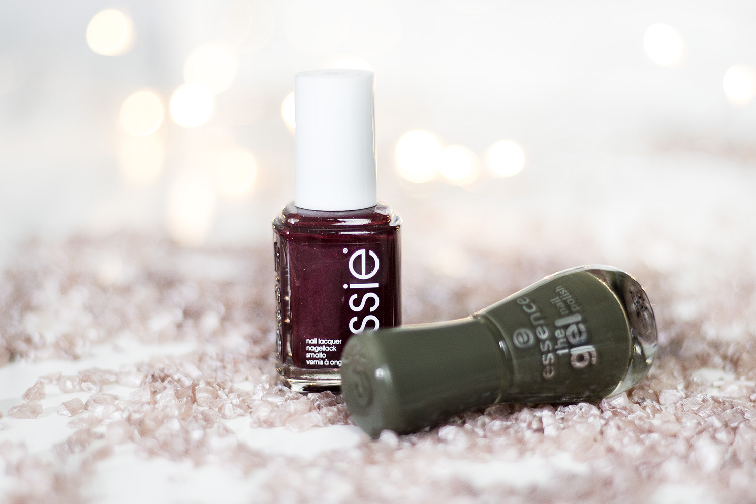 Winter Beauty Must Haves, Kosmetik, essie Nagellack, thigh high, essence Nagellack, olive you, bezauberndenana.de