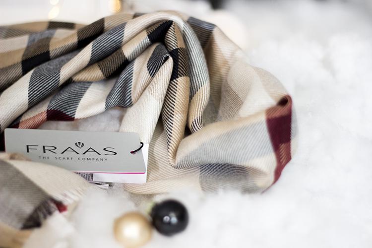 Bezaubernde Weihnachten Gewinnspiel, Blogger Adventskalender, luxuriöser Schal von Fraas, karierter Schal aus Seide und Kamelhaar, bezauberndenana.de