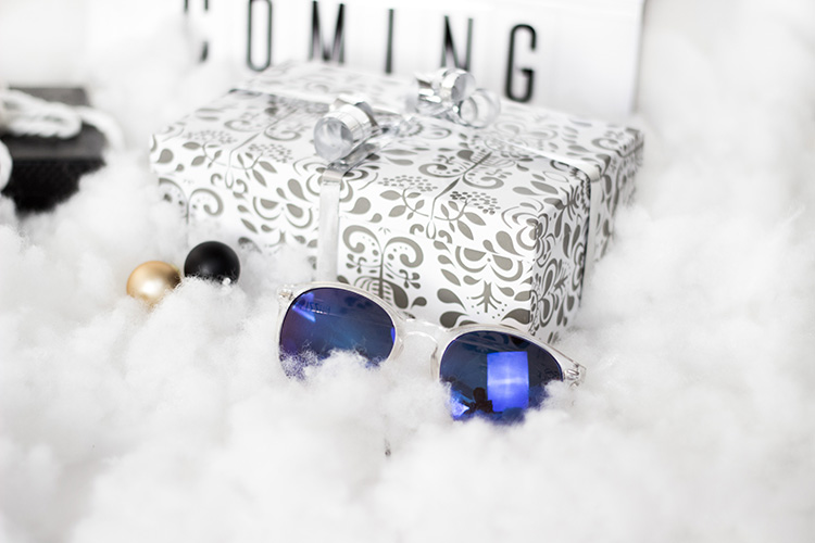 bezaubernde weihnachten gewinnspiel sonnenbrille. Black Bedroom Furniture Sets. Home Design Ideas