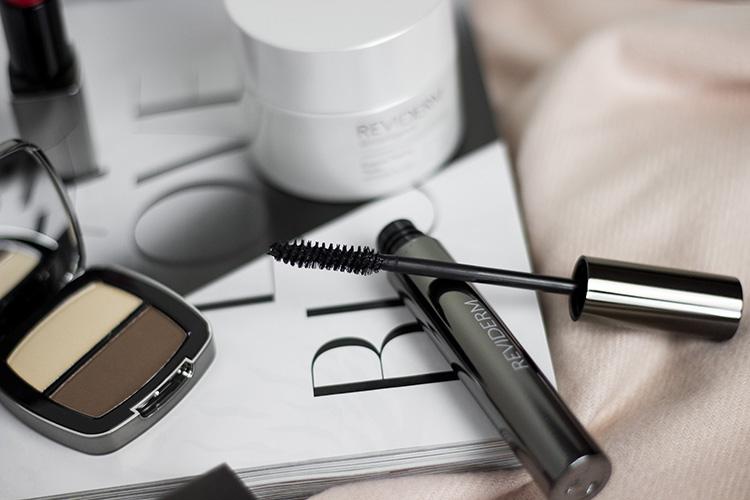 erfahrungen-mit-reviderm-skintelligence-make-up-beauty-review-test-gesichtspflege-bezauberndenana (4)