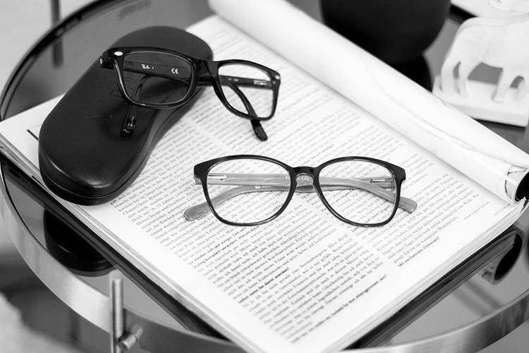 vergleich optiker vs online optiker wo brille kaufen. Black Bedroom Furniture Sets. Home Design Ideas