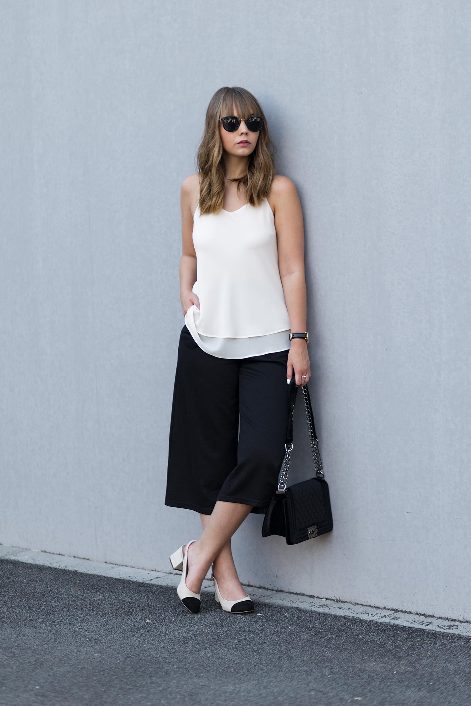 Slingback Pumps Outfit, Chanel Lookalike, schwarze Culotte, Sommeroutfit, bezauberndenana.de