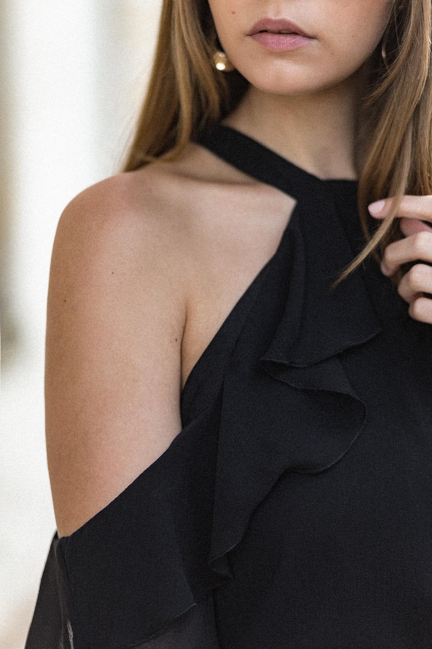 elegantes schwarz wei outfit schulterfreie bluse mit volant mango streifen culotte zara. Black Bedroom Furniture Sets. Home Design Ideas